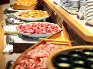 層雲峡 朝陽亭:【夕食バイキング】新鮮な食材を使用した豊富なメニューを好きなだけ味わってください