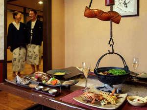 層雲峡 朝陽亭:【お食事処 北番屋】個室風の囲炉裏端でお食事をお楽しみいただけます