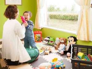 和ハーブガーデン ホテルそらにわ<旧:プチホテル シエスタ>:【キッズスペース】プレイマットと少しですがおもちゃを置いております♪お気軽にご利用下さいね。
