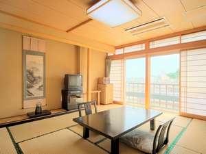 旅館 遊湯亭 :10畳和室