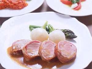 那須高原の貸し切り温泉 ペンション タム!(TAM!):新鮮な素材選びからソースまで元コックのオーナーシェフ手作りのフランス料理フルコースです。