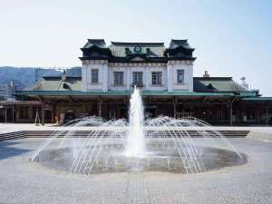 【門司港駅】ネオ・ルネッサンス調の木造建築である、重要文化財指定のレトロモダンな駅舎