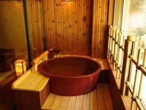 四季彩の宿 ふる里:【半露天風呂付客室】厳選100%掛け流しを客室で楽しめる。