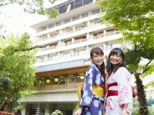 大阪市内から車で30分!花と緑に囲まれた自然豊かな環境に佇みます。