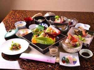 熱海温泉 古屋旅館:お食事は、京懐石をベースにした、古屋旅館オリジナル懐石です。