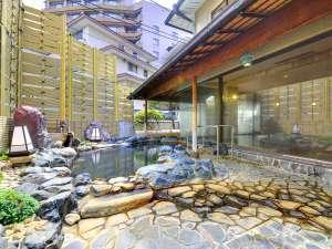 熱海温泉 古屋旅館:殿方露天風呂。当館では男女大浴場ともに加水加熱無し天然100%温泉です。もちろん自家源泉所有です。