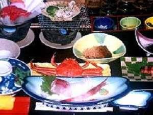 民宿 千代松荘:海鮮プラン 料理一例(季節により魚介の種類が変わります)