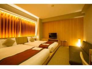 ホテルサンルート浅草:【デラックスツインルーム】 東京スカイツリー(R)がご覧頂ける琉球畳風の部屋。靴を脱いでお寛ぎ下さい