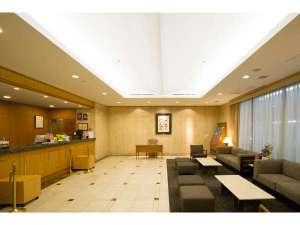 ホテルサンルート浅草:【開放感溢れるロビー】天井も高く大理石に囲まれた味わいある趣は正にワンランク上
