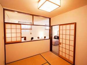 ■ゆったりくつろげる和室。奥はベットルームとなっています。(ファミリースイートルーム)