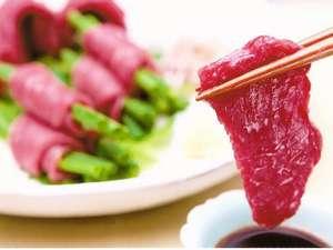 小さな宿 馬刺しと真心の料理自慢の宿 梅月:*【NEW】厚切りの馬刺し!梅月で食べたら他では食べられない旨さです。