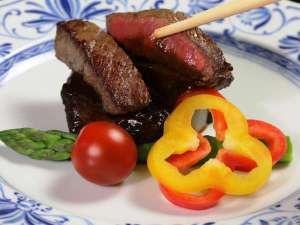 小さな宿 馬刺しと真心の料理自慢の宿 梅月:【夕食】信州牛のステーキ