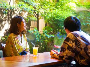宮島 錦水館【嚴島神社の大鳥居と心酔いの食を愉しむお洒落宿】:お洒落なレストランで、美味しいお料理を堪能――。大切な方との会話も弾みます♪