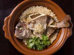 熱海温泉 旅館 立花:出汁と香ばしい鯛の香りが食欲をそそる、名物料理『鯛めし』