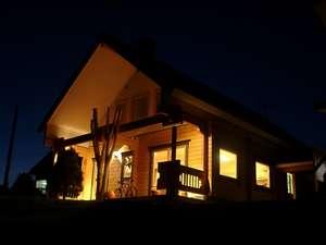 アルプロッジ美瑛:夜、暖かな光