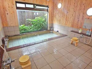 萬寿荘 さわだ旅館:*男湯 明るい大浴場。ゆったりご入浴ください。