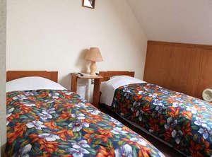 ご家族用のお部屋でベッド4つまでご用意できます