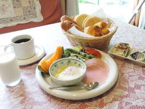 *【食事/朝食一例】朝はしっかり食べてパワーをつけよう!