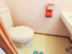 *【部屋/トイレ】各部屋に洋式トイレを備えております。