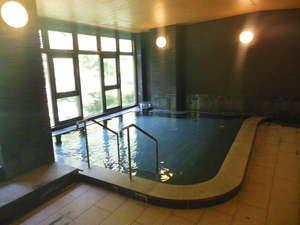 榊原温泉 神湯館:美人の湯で知られる当旅館自慢のお風呂です。