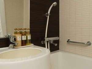 シャワーは、温度調節付の混合栓です。
