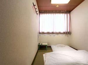 ビジネスホテル和香:和室のお部屋です