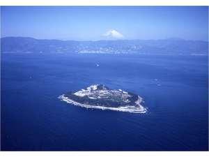 熱海の沖合い10キロに浮かぶ初島