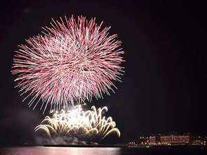 【ハウステンボス花火】ウォーターマークホテルの目の前で打ちあがる花火は圧巻です!