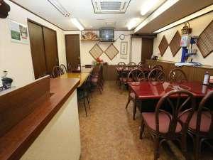 富士園:約50名収容可能な大食堂