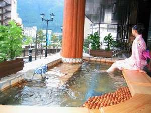 下呂温泉 下呂ロイヤルホテル雅亭:▲雅の足湯 (館内には2つの足湯がございます)