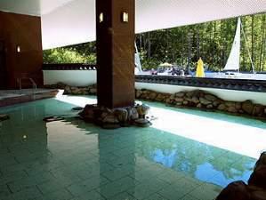 湯元第二名水亭:「露天風呂」ゆったりのんびりと湯浴をお楽しみ下さい。