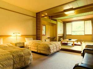 湯元第二名水亭:※お部屋はゆとり設計の35平米。和室とツインベッドルームを組み合わせた和洋室。
