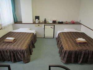 東京木場ホテル:個室ツインルーム(ユニットバス付)大浴場あり、インターネット完備