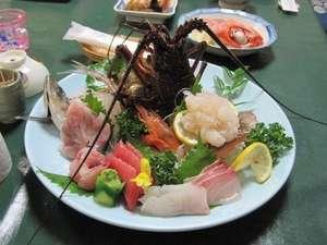 温泉民宿こまどり荘:伊勢海老プランの豪華な盛り合わせ皿にはいつも歓声が・・・