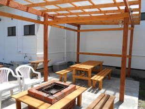 ブルースカイ白浜:屋根付きBBQコーナー
