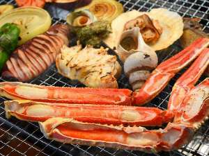 宇川温泉 よし野の里:炭火で楽しむ海鮮BBQ♪カニも香ばしく焼き上げて!