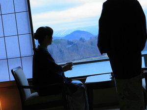 つなぎ温泉 ホテル紫苑:全室が湖側を面し、一つ一つのお部屋から望む風景はそれぞれ違います。