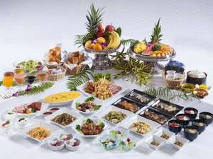 ザ・ビーチタワー沖縄 <共立リゾート>:種類豊富な人気の朝食メニューが女性に人気。一日の活力をどうぞお召し上がりください。
