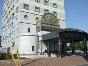 シティーホテル友部:玄関前