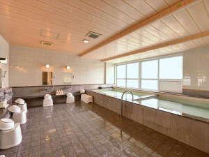 沖縄ホテル:*大浴場/沖縄では珍しい大浴場で、ゆったりのんびりと旅の疲れを癒しましょう。