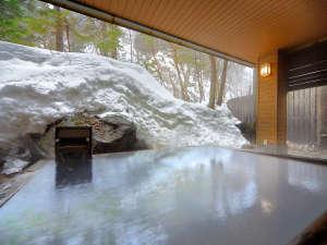 層雲峡温泉 朝陽リゾートホテル:【大自然の湯「鳥の声」】硫黄香る白濁温泉で温まってください