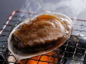 天橋立荘:活きたあわびを贅沢にも直火にて味わう/例
