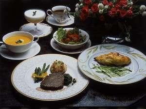 食と癒しのゲストハウス ヴィヴィアン クレール:オリジナルソースが美味しさの秘訣の家庭仏料理 一例