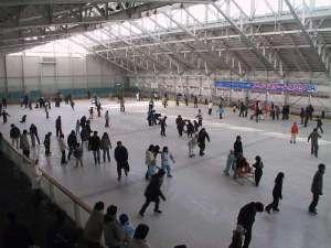 みちのく城址温泉・ホテルみどりの郷:スケートリンク♪冬期期間限定です。11月中旬~3月31日ごろまで