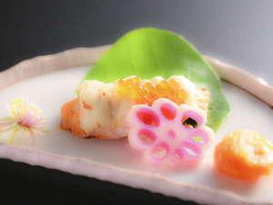 全室露天付客室の隠れ宿 花の雲:【ご夕食一例】 素材の良さを最大限に引き出し、決して飾り過ぎない創作懐石は当館料理長の匠の技