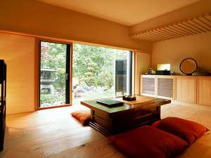 小樽旅亭 藏群:*【お部屋例】意匠を凝らした寛ぎの空間。19の客室はすべて趣の異なる設えをご用意しております。