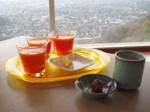 ヘルスピア倉敷:眺望抜群のダイニングでにんじんジュースをお召し上がりください