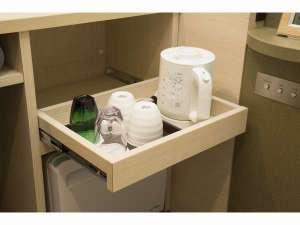<全室>グラス・コーヒーカップ・お茶(インスタント)・湯沸かしポット