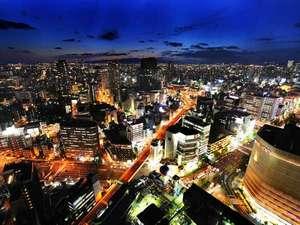 スイスホテル南海大阪:ホテルからの夜景