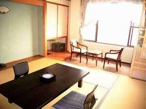 パールグルメイン竹正:縁付きの和室です。海を眺めながらの~んびりお過ごしください。(一例)